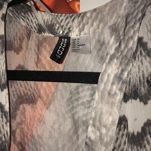 H&M Other - H&M Grey Snakeskin Kimono